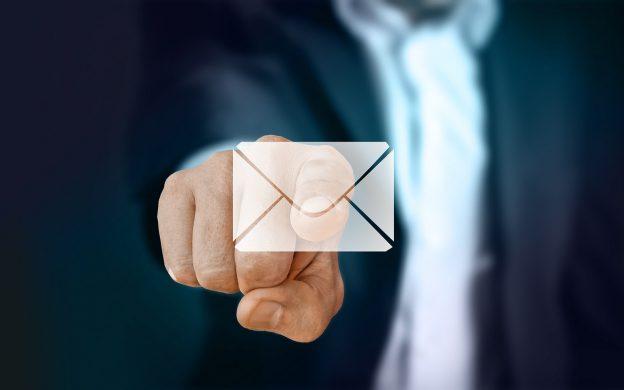 enviar lembretes por e-mail