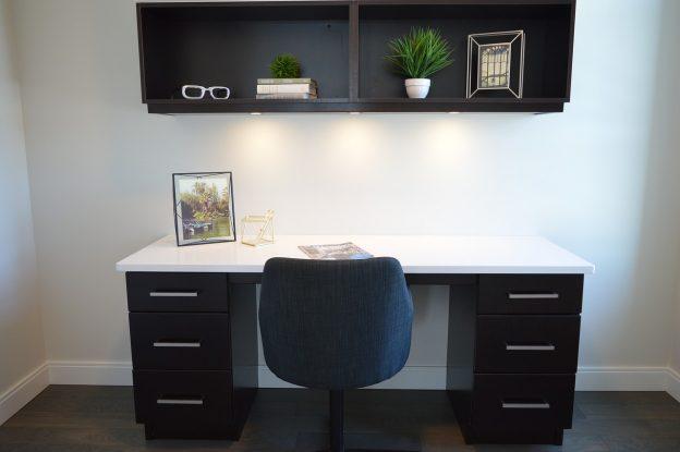 tornar seu ambiente de trabalho mais fresco sem gastar muito